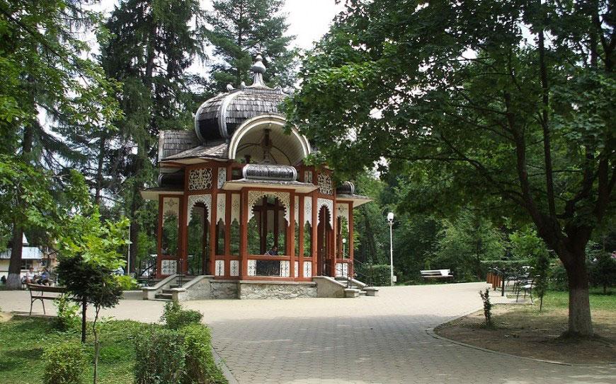 Pensiunea Teodora - Cazare Vatra Dornei - Parc central
